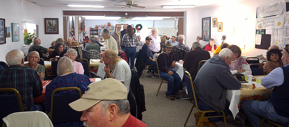 2015 Thanksgiving Lunch: Some of the diners waiting patiently for a fantastic lunch!